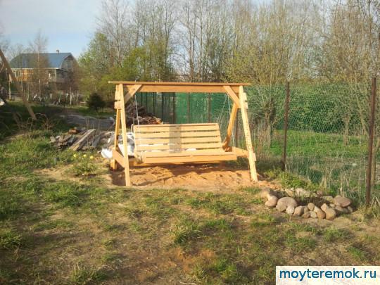самодельные садовые качели