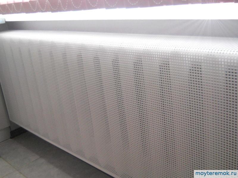 стальные экраны на радиаторы
